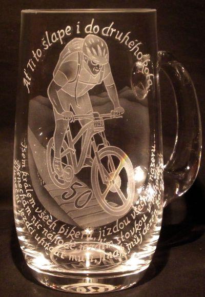 photo: Dárek k jubileu bikerovi