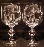 photo: Babičce sloni s chobotem nahoru