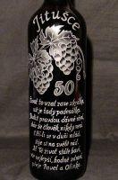 photo: Dárek k padesátinám-lahev s hrozny vína