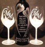 photo: Lahev vína a sklenice Lara