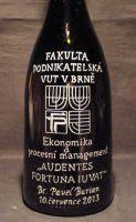 photo: Lahev vína k dokončení studia