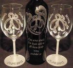 photo: Prstýnky na sklenicích a lahvi s vínem